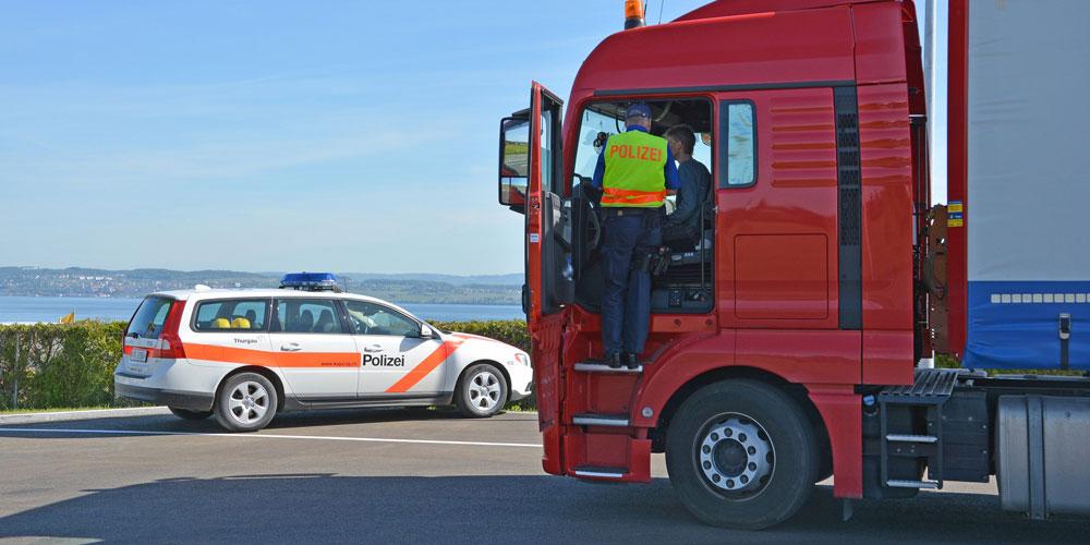 Die Schwerverkehrs-Spezialisten der Kantonspolizei Thurgau kontrollieren jedes Jahr über 5'000 Lastwagen.